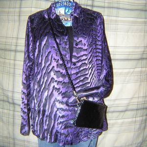 Purple & Black Shirt w/Crossbody Bag EUC